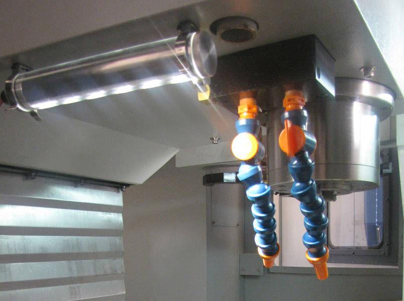 Dispositivo di illuminazione luce led per macchina utensile
