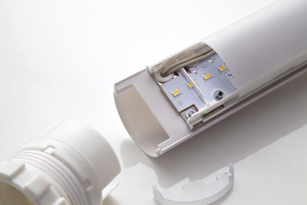 Dispositivo di illuminazione luce a lampada fluorescente per