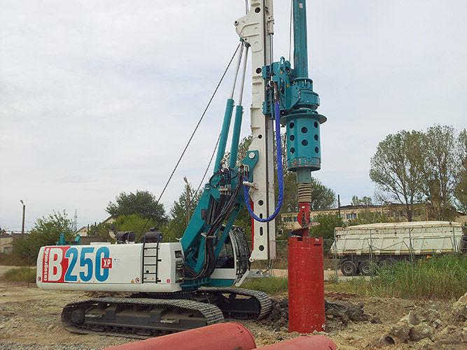trivelle macchine da perforazione  battipalo e tunnell casagrande Perforatrice-pali-fondazione-57763-4167035