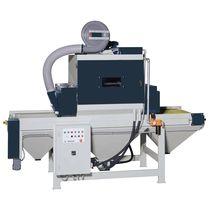 Cabina di sabbiatura a pressione / manuale / con trasportatore concavo