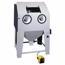 Cabina di sabbiatura a pressione / con trasportatore a carosello