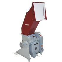 Mulino orizzontale / per matiere plastiche / a bordo pressa / per stampaggio a iniezione