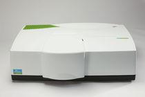 Spettrofotometro UV-Vis / benchtop / ad assorbimento