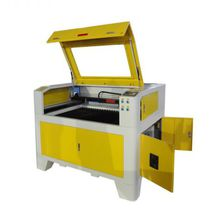 Macchina per incisione laser