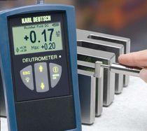 Apparecchio di misura di campo elettrostatico / portatile