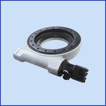 Sistema di trasmissione rotativo per inseguitore solare / a vite senza fine / compatto