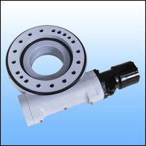 Sistema di trasmissione rotativo per inseguitore solare / con corona dentata / a vite senza fine