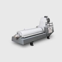 Decantatore centrifugo / orizzontale / per l'industria delle bevande / 3 fasi