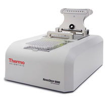 Spettrofotometro visibile / UV / benchtop / per assorbanza