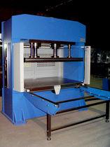 Pressa idraulica / di vulcanizzazione / a doppio effetto / per pezzi in materiali compositi