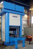 Pressa elettroidraulica / di stampaggio / per il settore aeronautico / a 4 colonne