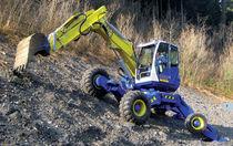 Escavatore di medie dimensioni / gommato / fuoristrada / diesel