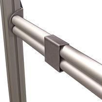 Elemento di fissaggio per profilati in alluminio