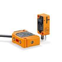 Sensore di prossimità magnetico / rettangolare / di piccole dimensioni / in plastica