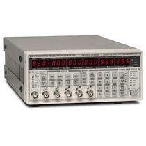 Generatore di ritardo / di impulsi / programmabile / digitale