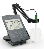 PHmetro portatile / di laboratorio / digitale / con conduttimetro