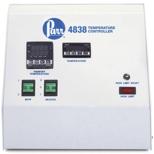 regolatore di temperatura digitale / termoelettrico / da laboratorio / compatto