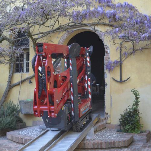 piattaforma a ragno cingolata - HINOWA SPA