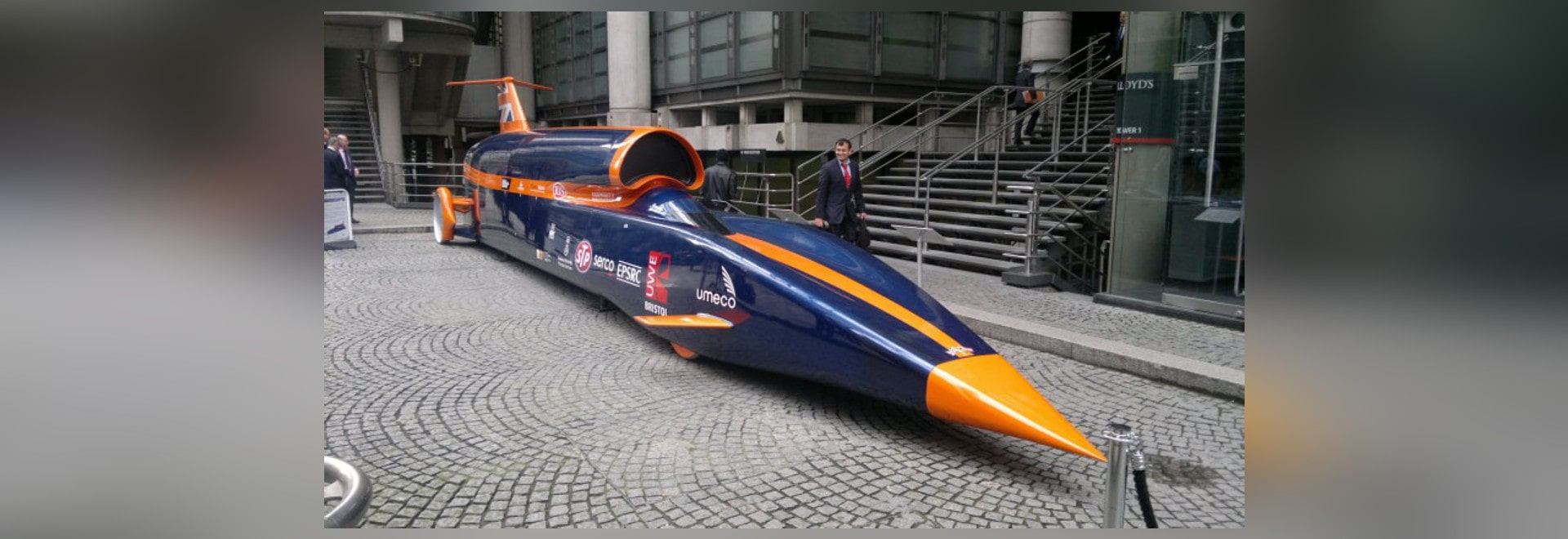 COME FRENATE A 1.000 MPH? CHIEDA APPENA PARKER!