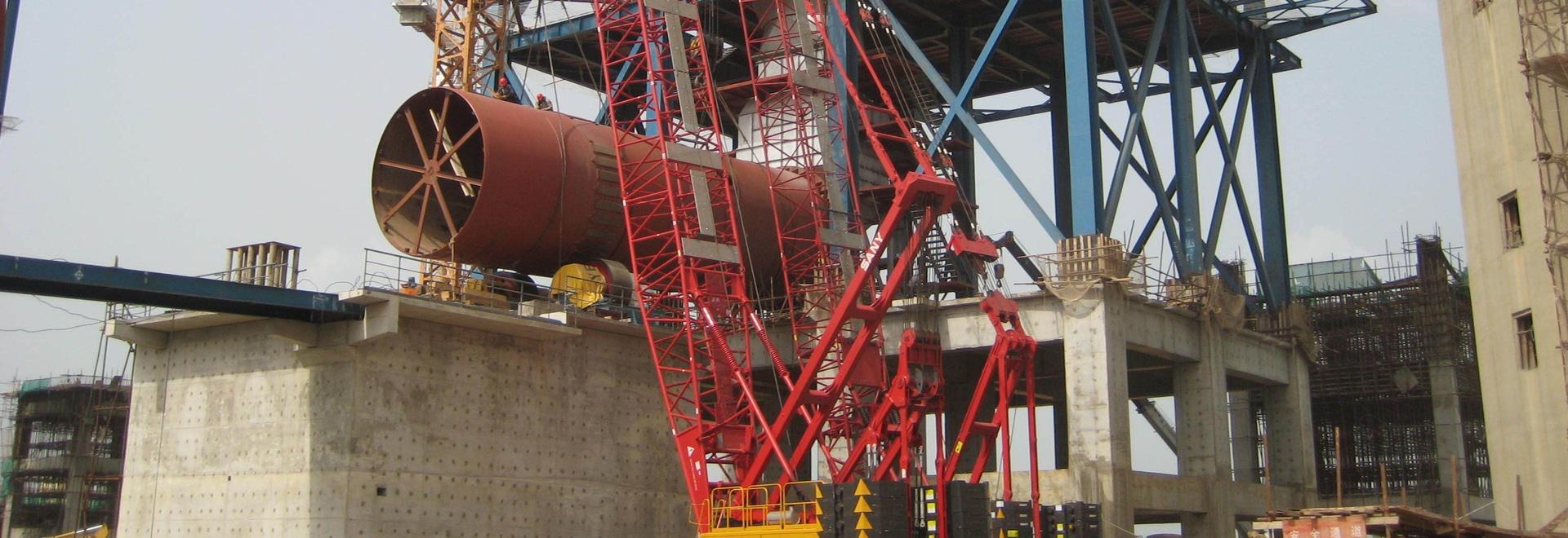 Gru cingolate di SANY SCC500 50t che costruiscono la pianta del cemento del Dangote della Nigeria