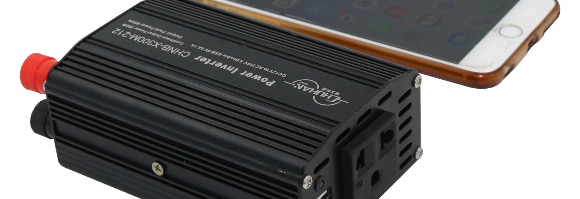 Mini tipo progettazione chuhan modificata 110vac/220vac dell'invertitore 300w dell'automobile con gli incavi di EU/US/UC /Israelic