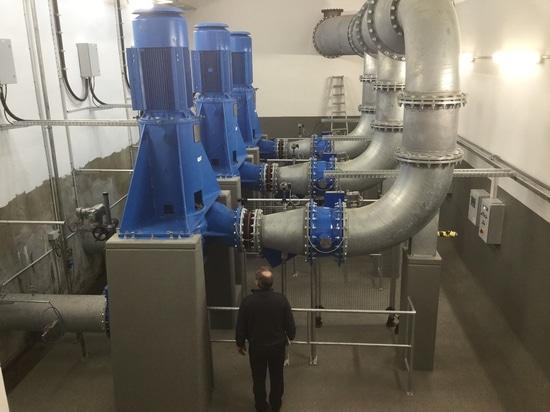 Egger realizza la tecnologia della pompa per l'associazione dell'acqua di scarico di LINEG