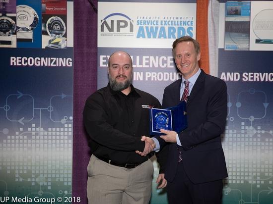 Essemtec vince il premio della NPI dell'Assemblea dei circuiti nella categoria che dispensa per la tarantola tutto il terreno Jet Dispenser