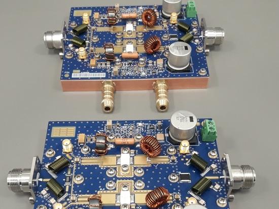 Montaggio completo dell'amplificatore di potenza di rf a DOTTRINA 27MHz per il riscaldamento industriale