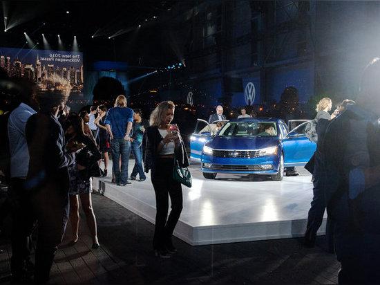 Volkswagen 2016 Passat sull'esposizione alla serra di Duggal a Brooklyn