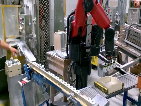 Baxter Robot Helps con l'imballaggio alla ceramica Du-Co