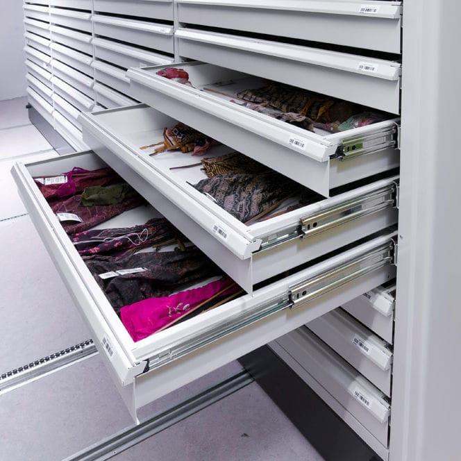 Cassetti Metallici Su Misura.Scaffalatura Per Ufficio Bruynzeel Storage System Mobile Su