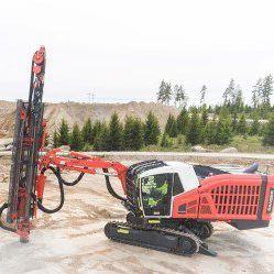 Perforatrice multifunzione / cingolata / top hammer / per cantiere di  costruzione Ranger DX900i Sandvik Mining and Rock Technology
