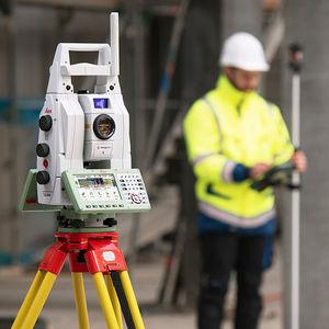 stazione totale robotizzata / con GNSS integrato / con imaging digitale / con scanner laser 3D