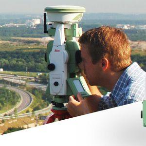 stazione totale con GNSS integrato