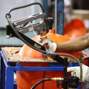 stampaggio per soffiaggio per l'arredamento / termoplastica / per il settore agricolo / per il settore medico