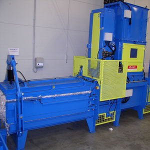 pressa imballatrice orizzontale / a canale / a carico dall'alto / di rifiuti solidi