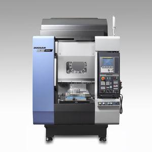 macchina di maschiatura CNC