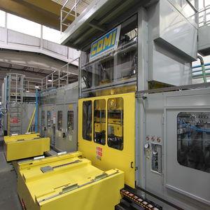 termoformatrice per pannelli / per rivestimenti interni / per la produzione di frigoriferi / completamente automatica