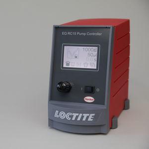 controllore di sistemi per l'applicazione di adesivi