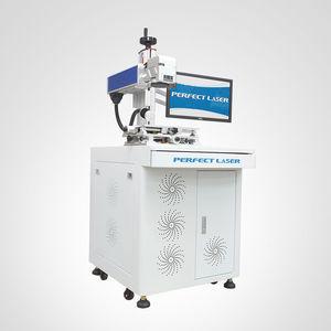 macchina per incisione laser a fibra