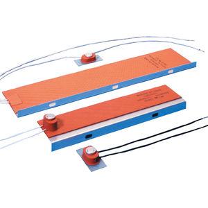 resistenza riscaldante piatta / in gomma siliconica / con termostato / adesiva