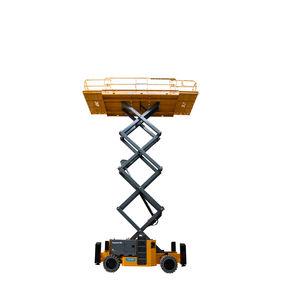 piattaforma elevatrice a forbice su ruote
