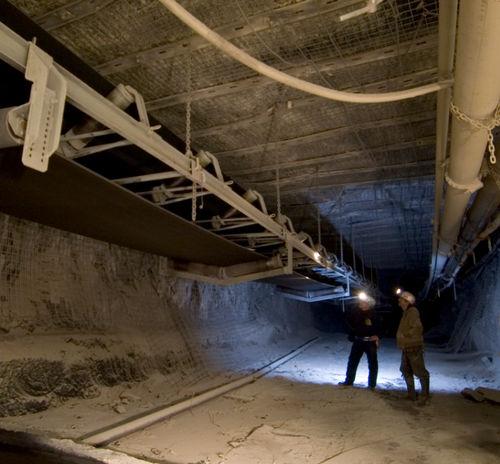 trasportatore a nastro / per l'industria mineraria / per carichi pesanti / di grande larghezza