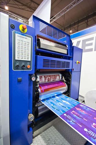 macchina da stampa offset rotativa / di medie dimensioni / per via umida
