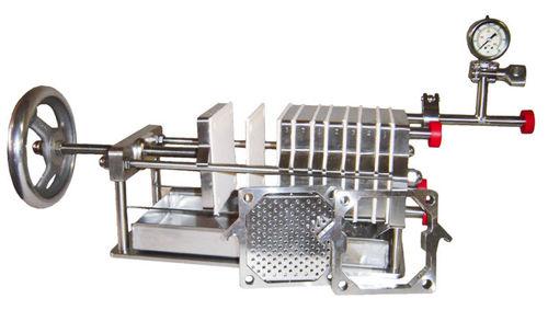 filtro-pressa a telaio / con ripiano / automatica / per laboratorio