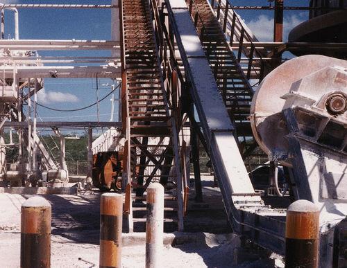 trasportatore a catena / per cantiere di costruzione / per prodotti sfusi / chiuso