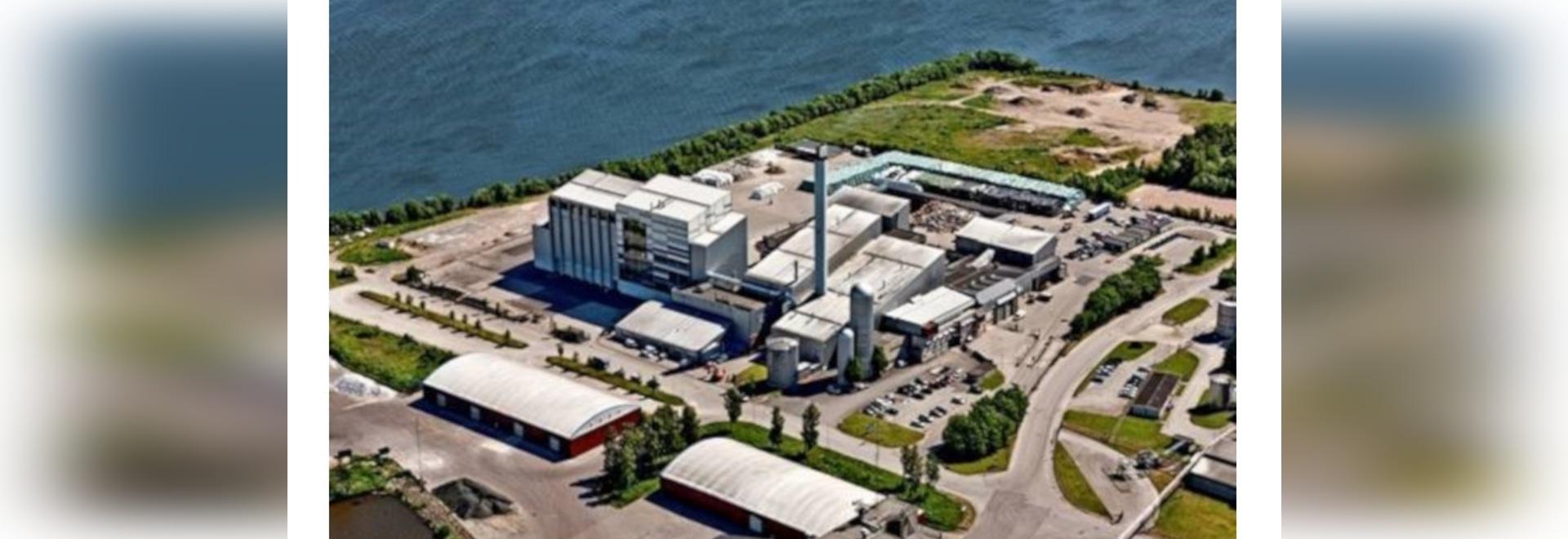 La caldaia trasforma i rifiuti in vapore industriale, elettricità