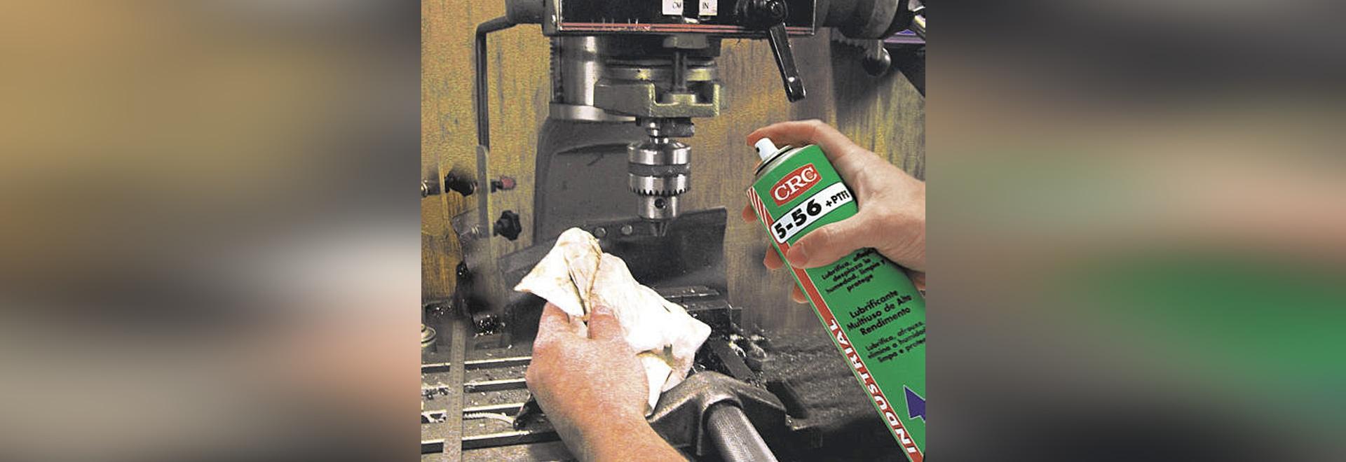 CRC 5-56 PTFE più, un liquido multifunzionale di servizio