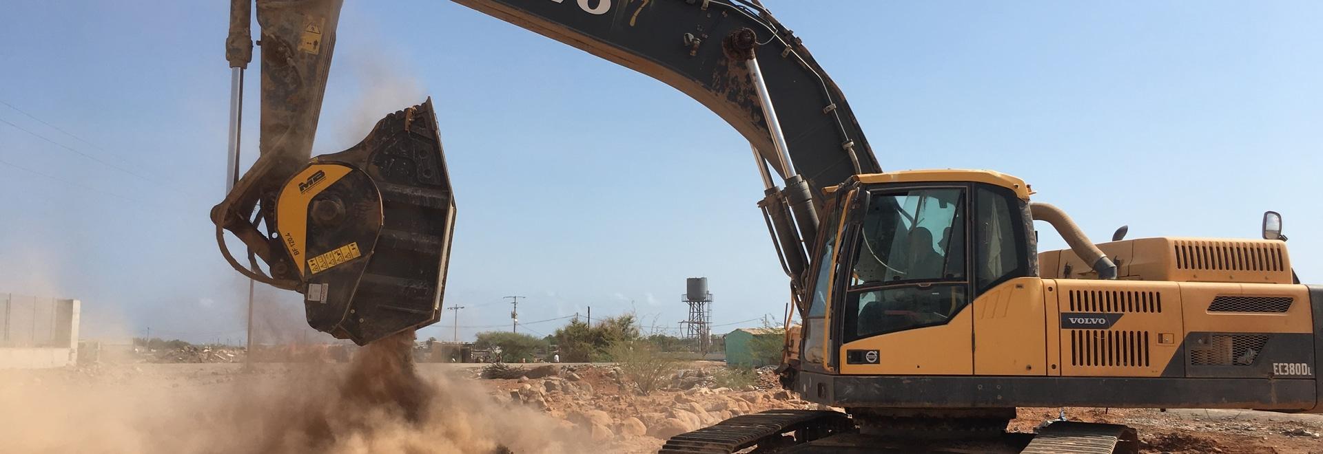 Frantumando basalto per la DIFTZ in Djibouti con la BF120.4