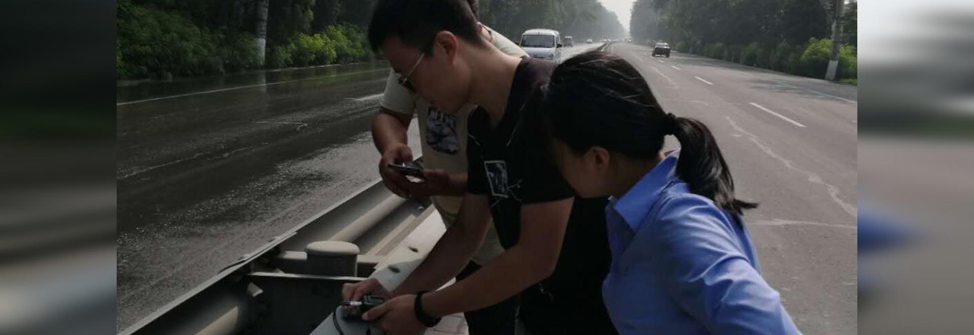 misura di spessore della guardavia di sicurezza stradale